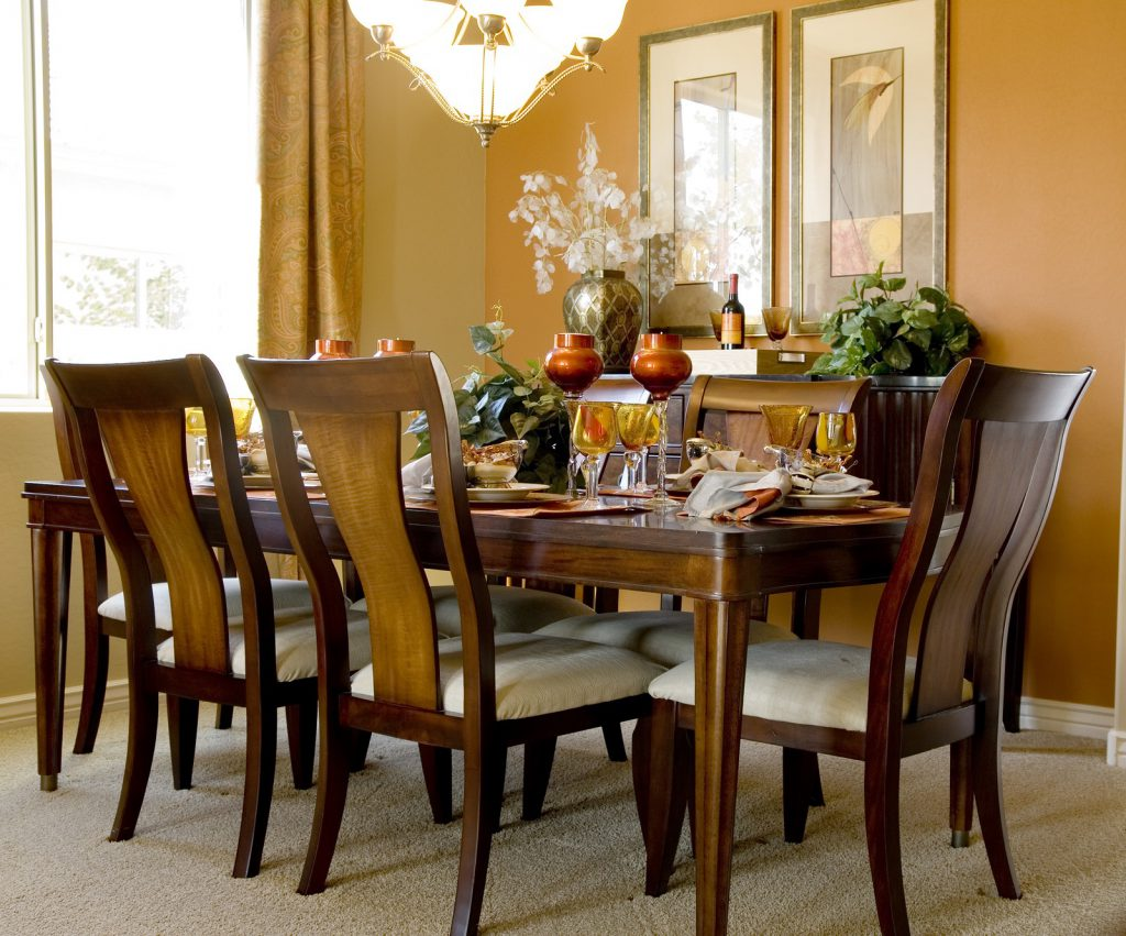 How to Pack a Dining Room Table for Moving.